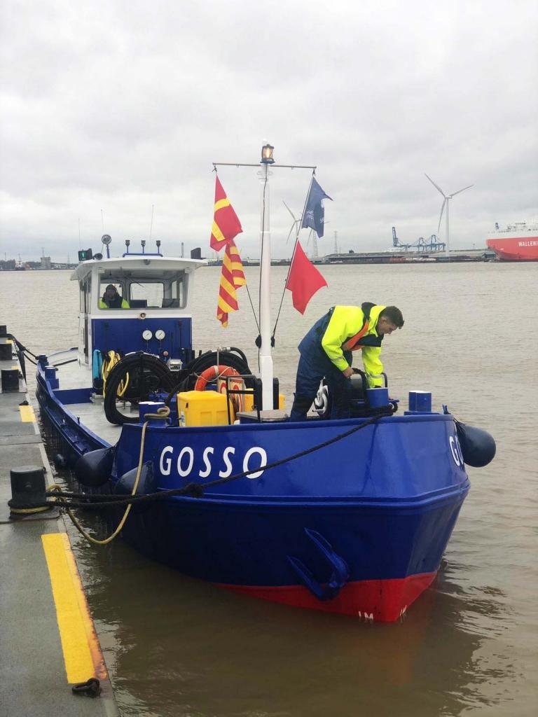 Thames-Marine-Services Gosso docked